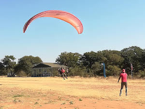 4 Sep: Alard Hüfner: Flying to Vic Falls in a Paraglider